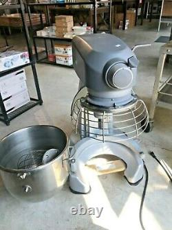 Hobart Legacy HL200 20 Qt. Commercial Planetary Stand Mixer with Accessories