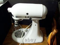 KITCHENAID CLASSIC 10 SPEED WHITE STAND MIXER K45SSWH With 4 Qt Bowl 250 Watts